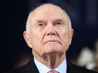 PHOTO: Former astronaut John Glenn attends the Clinton Global Initiative, Sept. 24, 2009 in New York City.