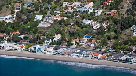 gty malibu calif dm 130530 wblog Our Malibu Beaches App Makes Those Beaches Public Again