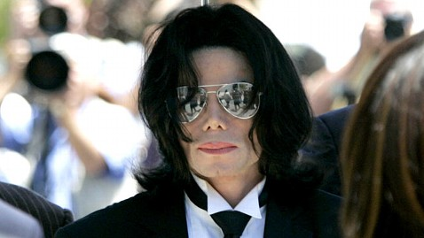 gty michael jackson jp 111104 wblog Michael Jacksons Doctor Awaits Verdict