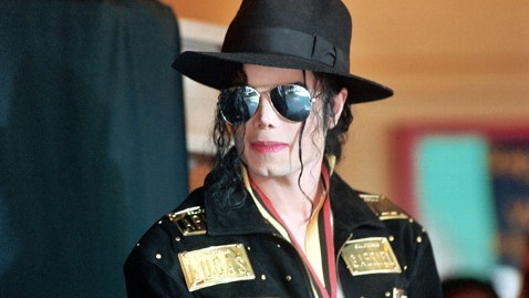 gty michael jackson nt 111107 wblog Idaho Man Demands Moonwalk at Gunpoint, Police Say