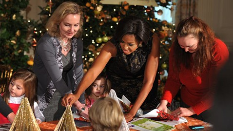 gty michelle obama holiday decorations ll 111125 wblog Christmas Decorating, First Lady Style