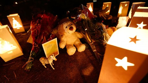 gty newtown candles kb 121215 wblog LIVE UPDATES: Newtown, Conn., School Shooting