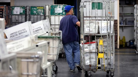 gty post office dm 120413 wblog Half of U.S. Mail Facilities No Longer Needed, Study Says