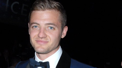 gty robbie rogers jt 130525 wblog Robbie Rogers Joins Los Angeles Galaxy, Becomes First Openly Gay Major League Soccer Player