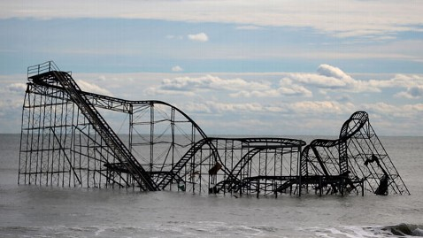 gty seaside heights rollercoaster mi 130108 wblog Man Arrested Climbing Storm Tossed Roller Coaster