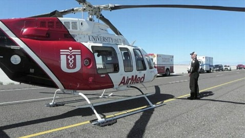 ht airmed helicopter ll 130603 wblog Mom Delivers Twins on  Utah Highway, Revives Firstborn Herself