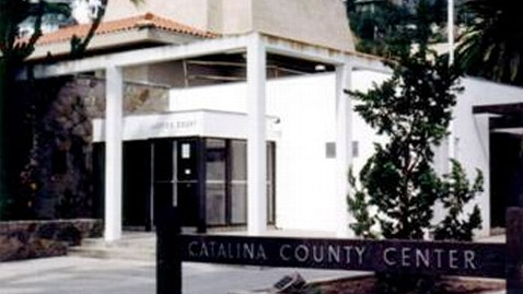ht avalon sheriff station ll 120407 wblog Los Angeles Sheriff Captain Allegedly Took Inmate Golfing