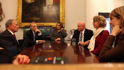 ht bloomberg giffords meeting jef 130103 wblog Gabrielle Giffords Headed to Newtown After Bloomberg Meeting