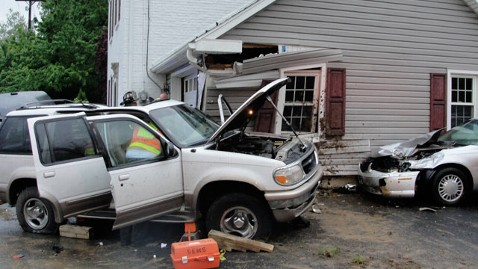 ht car house kb 120516 wblog Pa. Couple Tired of Cars Crashing Into Home