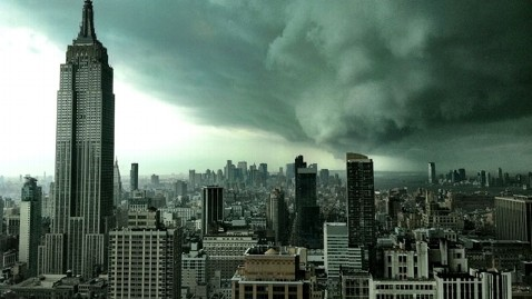 ht fake storm picture nyc nt 121029 wblog Hurricane Sandy: Fake Pictures, Memes, Social Media Reaction