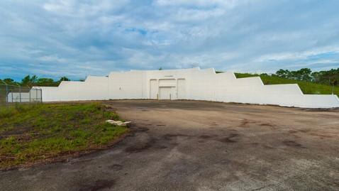 ht florida bomb shelter 2 ll 130322 wblog Florida Bomb Shelter For Sale as Ultimate Man Cave