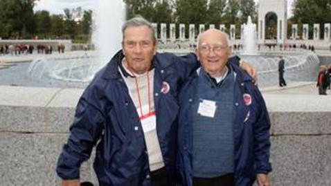 ht harvey kurz jef 121105 wblog Celebrity Treatment for WWII Veterans on Honor Flight