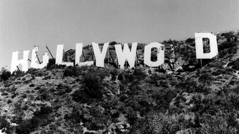 ht hollywood sign disrepair ll 121002 wblog 35 Year Old Hollywood Sign to Get a Fresh Coat of Paint