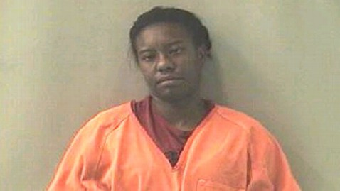 ht laisha white jt 120708 wblog Police Search for  Woman Who Allegedly Set Sister on Fire