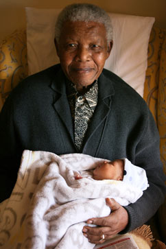 ht nelson mandela heir dm 110920 vblog Nelson Mandela Welcomes New Great Grandchild