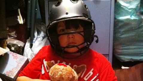 ht noah stewart helmut nt 120427 wblog Helmets Save Lives During Tornadoes, Scientists Say