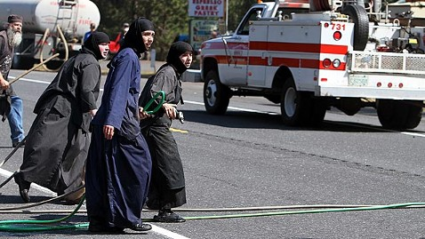 ht nuns fighting fire mw 110908 wblog Nuns Fight Washington Wildfire