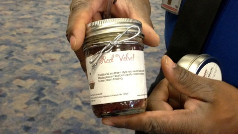 ht red velvet jar jef 111224 wblog Security Theater? TSA Confiscates Womans Frosted Cupcake