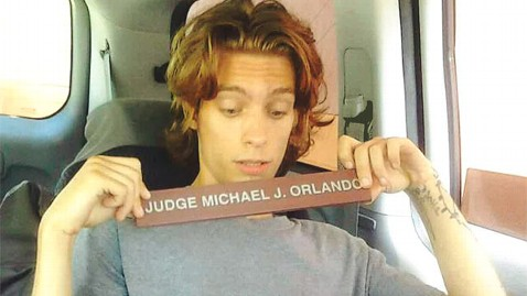 ht steven mulhall facebook nt 120309 wblog Florida Man Steals Judges Sign and Posts Picture With it on Facebook