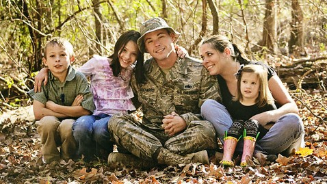ht tebbeharris family jef 121105 wblog Operation: Love Reunited, Helping Military Families Cope Through Pictures