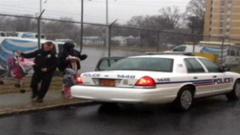 ht winston salem police nt 130304 wblog Cops Good Deed Goes Viral