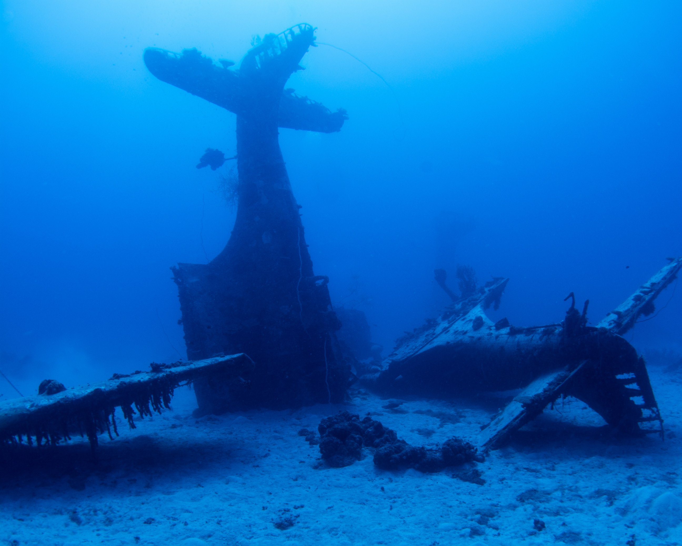 Фото самолетов на дне океана 5