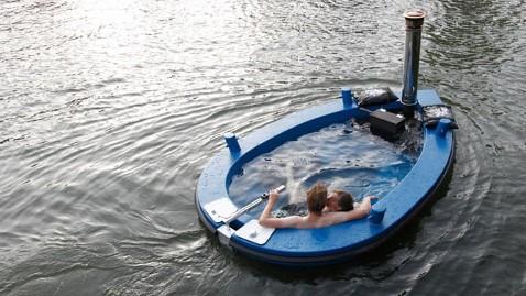 ht hottugboat tk 121003 wblog Hot Tub Boat Making Waves