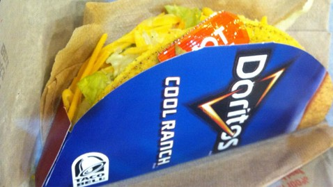 ht taco bell cool ranch doritos locos 1 ll 130213 wblog Taste Test: Taco Bell Announces Arrival Date for Cool Ranch Doritos Locos Tacos